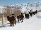 解放军和武警部队在练兵备战中迎接新春佳节