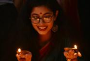 孟加拉国民众欢庆排灯节